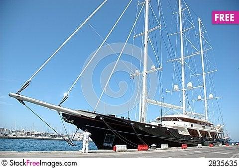 Free Yacht Royalty Free Stock Photo - 2835635
