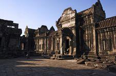 Free Angkor Wat Internal View Royalty Free Stock Photography - 2838247