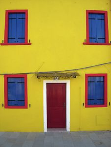Free Yellow House On Island Of Burano, Venice Stock Photography - 2839512