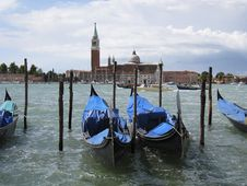 Free Gondolas In Venice Royalty Free Stock Photography - 2839547