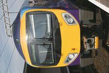 Free Modern Diesel Train Royalty Free Stock Images - 2839679
