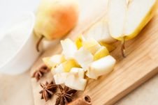 Free Pear Cut Into Small Chunks Royalty Free Stock Images - 28303899