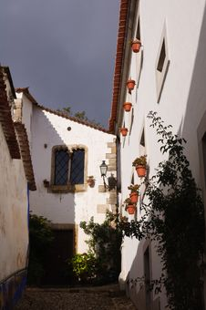Free Old Beautiful Houses In Medieval City Of Obidos, Portugal Stock Photos - 28304193