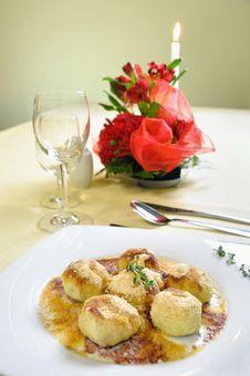 Free Cranberry Dessert Dumplings Stock Images - 28309964