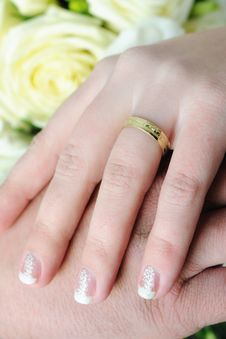 Free Wedding Hands Royalty Free Stock Images - 28313189