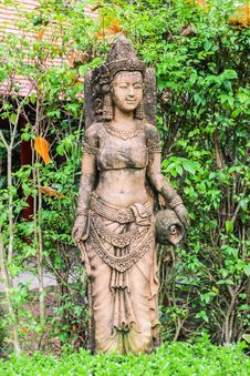 Free Ancient Cambodian Style Woman Sculpture In Thai Garden Stock Image - 28357941
