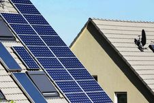 Free Solar Panels Royalty Free Stock Images - 28364939
