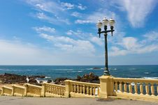 Free Street Lamp On A Promenade Near Ocean Stock Photo - 28366100