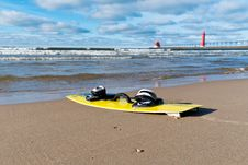 Free Kiteboard On A Beach Royalty Free Stock Images - 28369879