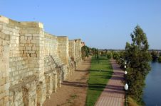 Free Walls Of The Alcazaba Of Merida Stock Images - 28377664