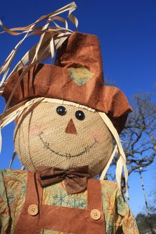 Free Smiling Scarecrow Stock Images - 28385084