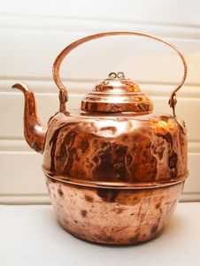 Free Copper Tea And Coffee Pot Stock Photos - 28394493