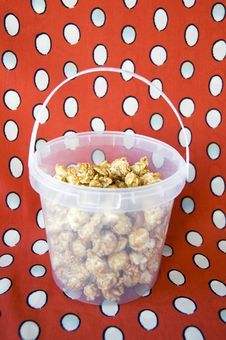 Free Caramel Popcorn Royalty Free Stock Photography - 28397037