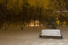 Free Snowy Bench In The Park Stock Image - 28398251