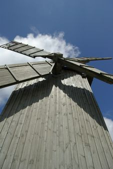 Free Historic Wooden Windmill Royalty Free Stock Photography - 2841387