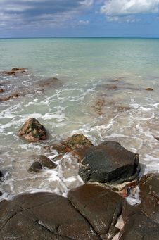 Free Rocky Caribbean Coast Royalty Free Stock Image - 2842786