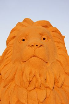 Free Lion Head Against A Blue Sky Stock Image - 2844161