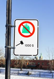 Free No Dumping With Fine Sign Royalty Free Stock Photo - 28406085