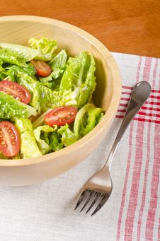 Free Romaine And Grape Tomato Salad 2 Royalty Free Stock Photography - 28406467
