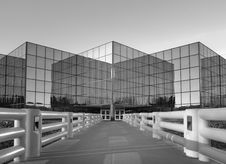 Free Dramatic Perspective Of Modern Office Building Stock Images - 28413244