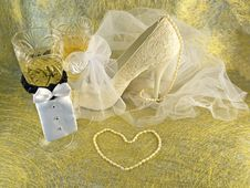 Free Wedding Card With Shoe Stock Photography - 28416212
