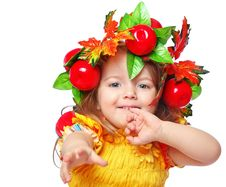 Free Portrait Of A Girl In A Wreath Stock Photo - 28419900