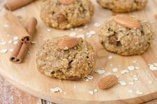 Free Homemade Oatmeal Cookies With Spices And Nuts Stock Photos - 28420093