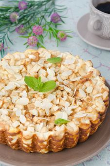 Free Whole Cottage Cheese Pie With Apples, Decorated With Mint Leaf Royalty Free Stock Image - 28420246