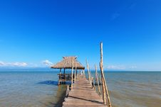 Free Old Wooden Boat Dock, Going Far Out To Sea. Stock Photography - 28428922