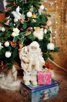 Free Merry Christmas And Happy New Year Royalty Free Stock Image - 28430156