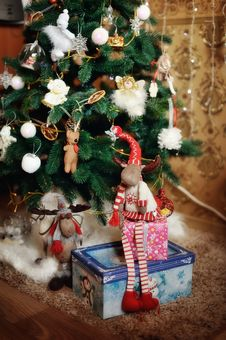 Free Merry Christmas And Happy New Year Royalty Free Stock Images - 28430169