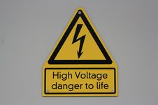 Free High Voltage Danger Label Royalty Free Stock Image - 28430196