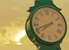 Free Watch The Golden Sky Royalty Free Stock Photos - 28435558