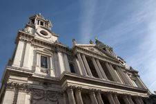Free Saint Paul Cathedral Royalty Free Stock Photos - 28437138