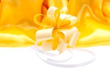 Free Festive Yellow Bow Banner Royalty Free Stock Images - 28439079