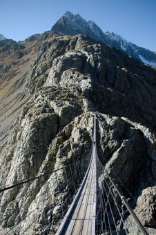 Free Trift Bridge In Alps Royalty Free Stock Photo - 28444315