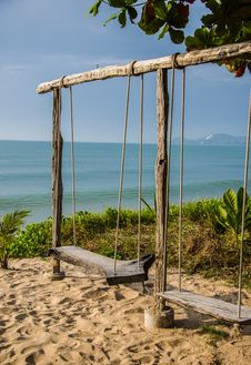 Free Swing Beach Stock Photography - 28447982
