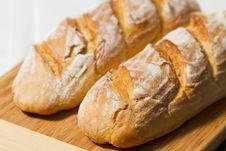 Free Fresh Tasty Bread Royalty Free Stock Photos - 28448468
