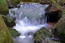 Free Mountain Stream Stock Images - 28450244