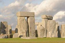 Free Stone Henge Standing Stones Royalty Free Stock Image - 28452286
