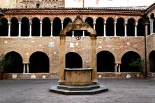 Free Bologna Royalty Free Stock Photos - 28461938