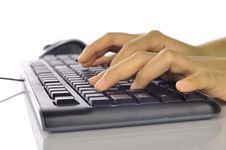 Free Hand Typing Keyboard Royalty Free Stock Photography - 28466157