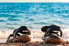 Free Beach Shoes Royalty Free Stock Image - 28475806