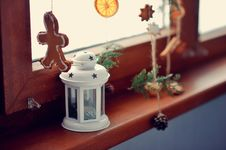 Free Christmas Lantern Royalty Free Stock Photography - 28480607
