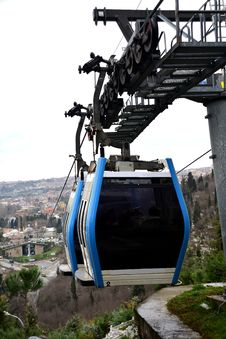 Free Cable-car Going Up To Peak Stock Photos - 28484213