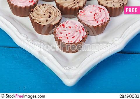 Free Elegant Cupcake Chocolates Stock Photos - 28490033