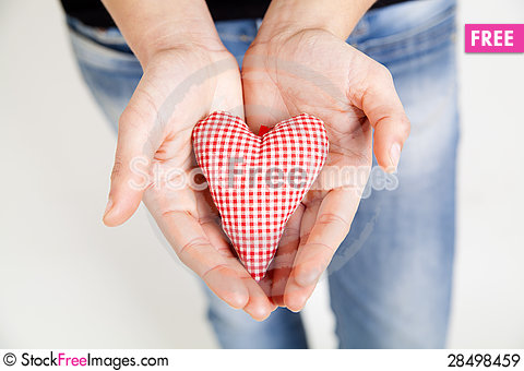 Free Woman Hands Holding A Heart Royalty Free Stock Images - 28498459