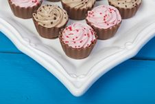 Free Elegant Cupcake Chocolates Stock Photos - 28490033