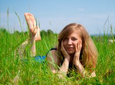 Free Women Lying In Meadow Royalty Free Stock Photography - 28498307