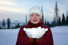 Free Girl Holding The White Snow On The Hands. Stock Photo - 28498600